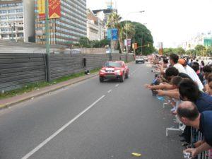 Ралли Дакар - толпы поклонников сдерживают только заграждения