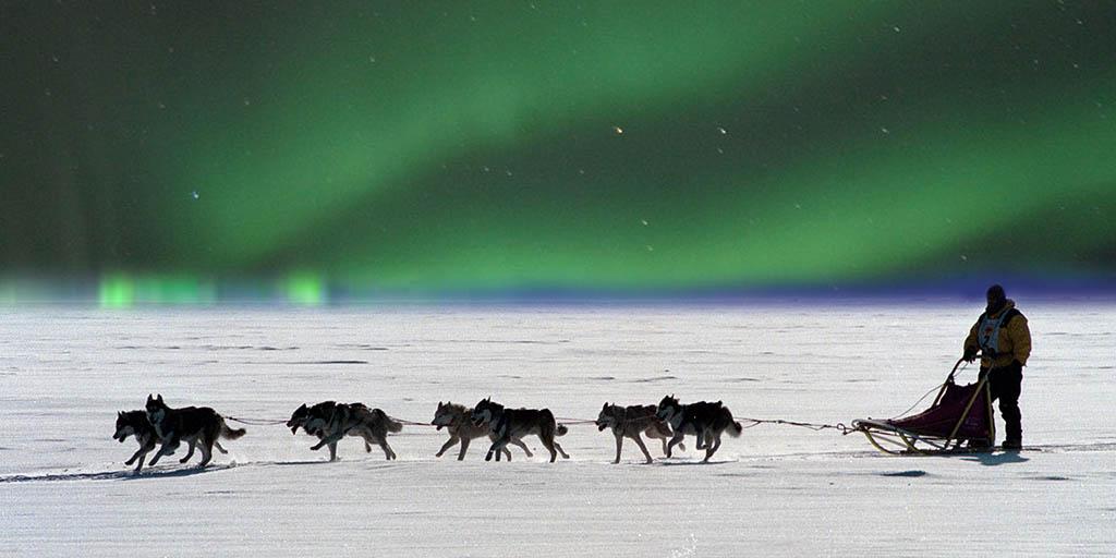 Северное сияние на Аляске - вид как на ладони